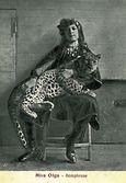 03. La jeune Dompteuse Olga JEANNET
