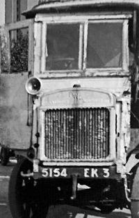 1943 GRUSS JEANNET camion gazo en panne