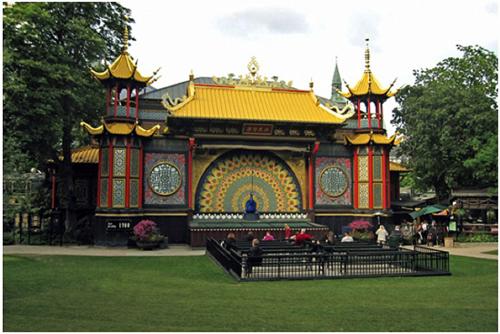 Jardins-du-Tivoli-théâtre-Peacock-02